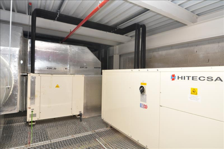 Unidad de climatización partida Condensada por Agua, bomba de calor, con potencia frigorífica de 132kW, único en España creado por Acoval