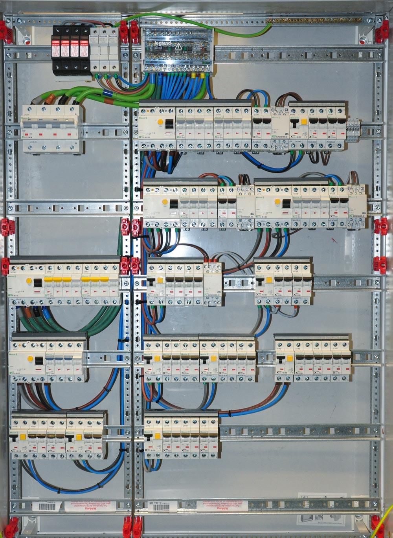 electricidad-cuadro-electrico-instalaciones-tecnicas-1